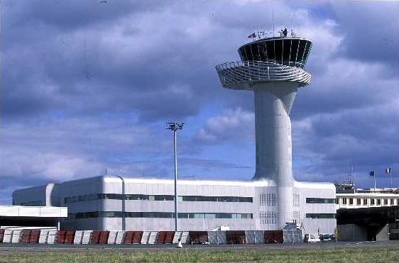 Kontroltårnet i lufthavnen i Bordeaux.