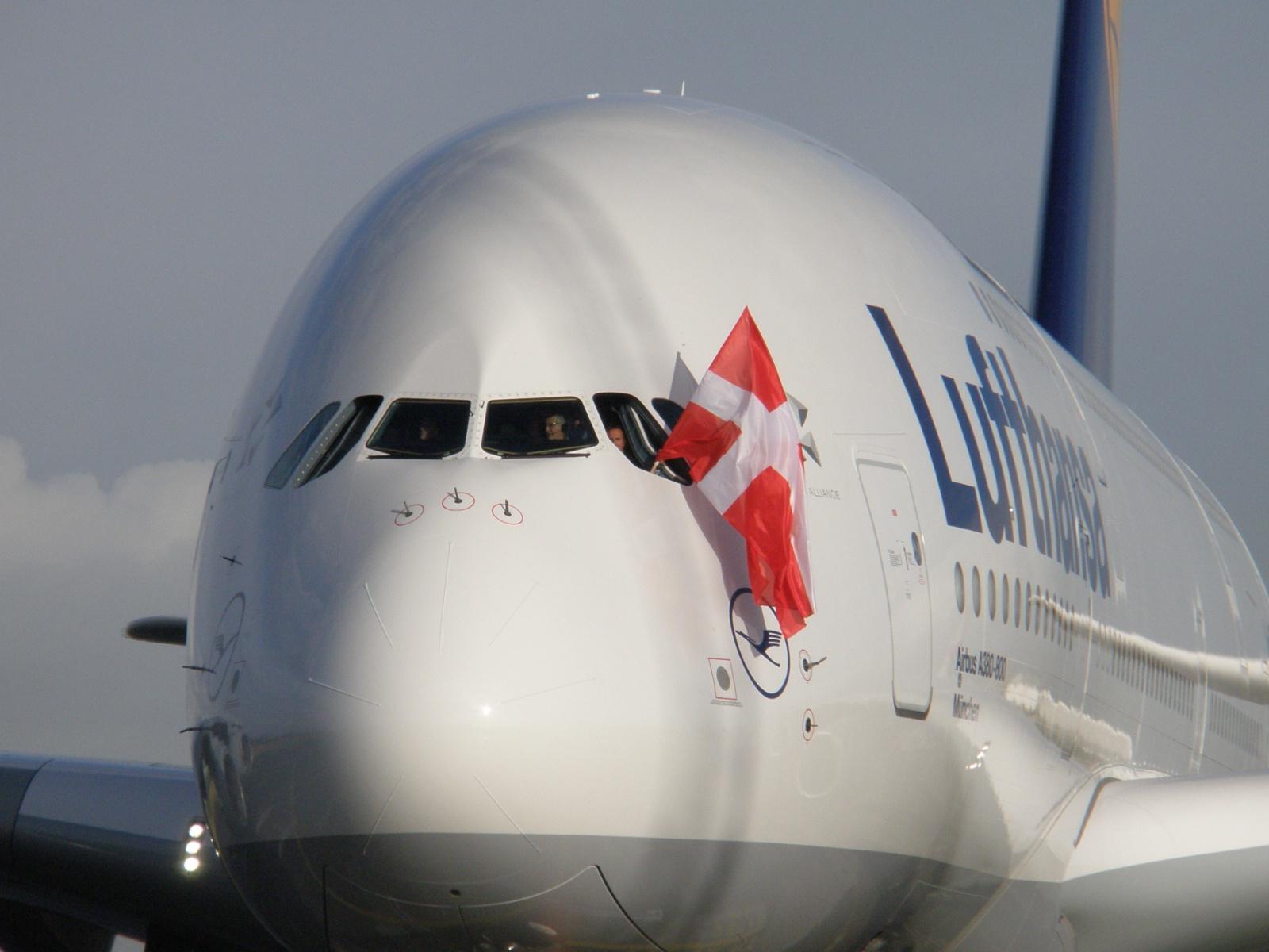 Lufthansas A380-800 i Københavns Lufthavn. (Foto: Ole Kirchert Christensen)