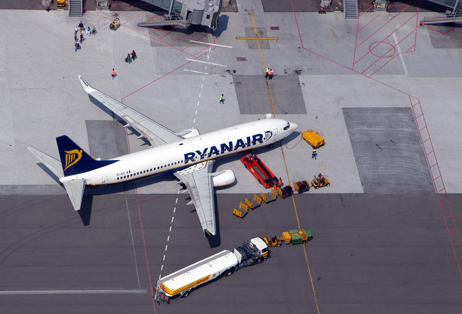 Ryanair-fly på platformen i Billund Lufthavn. (Foto: Billund Lufthavn)