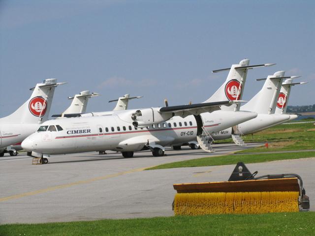 Nogle fly var i månederne op til konkursen blevet skrællet for reservedele for at holde andre fly i luften.