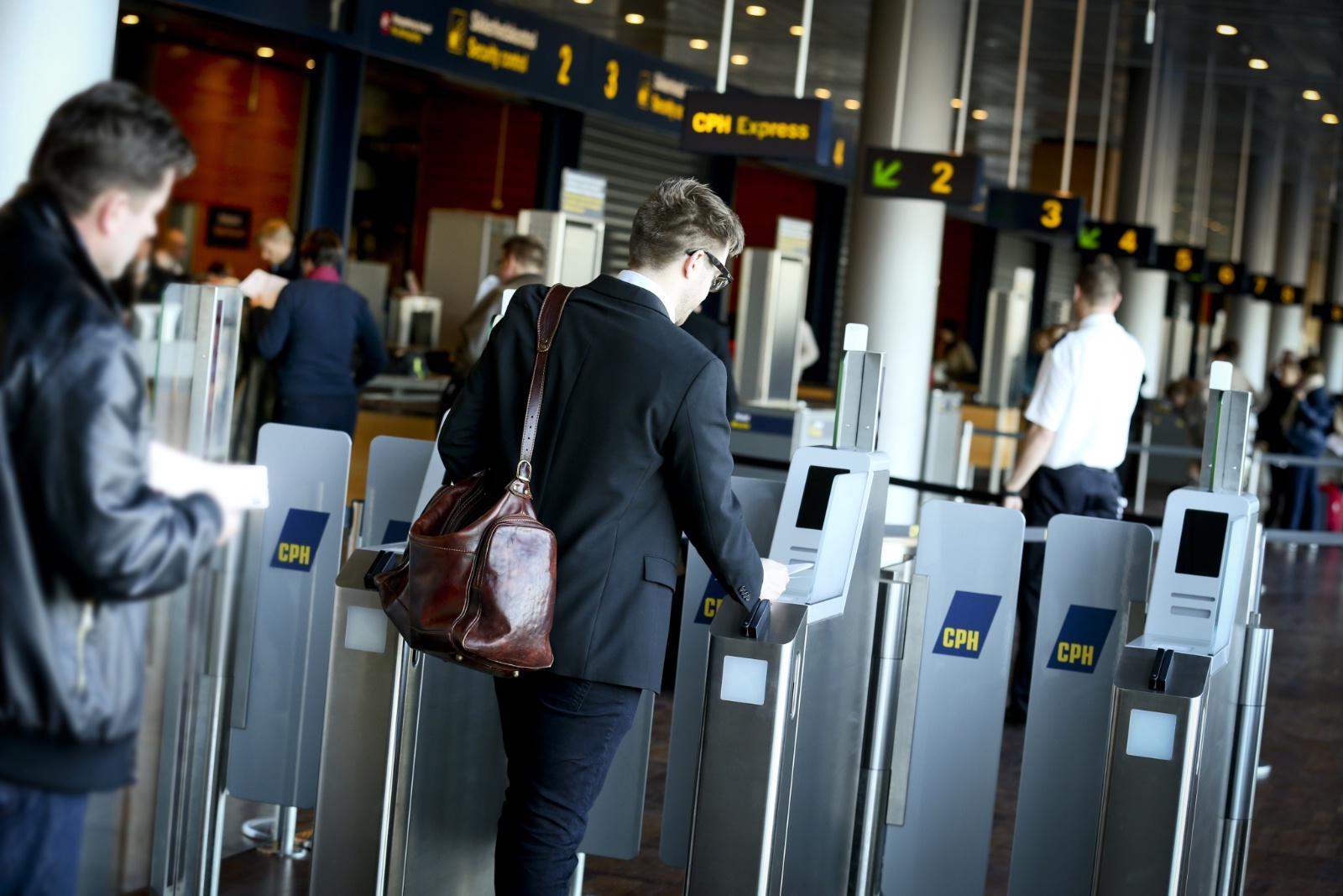 E-gates i Københavns Lufthavn. (Foto: Ernst Tobisch)