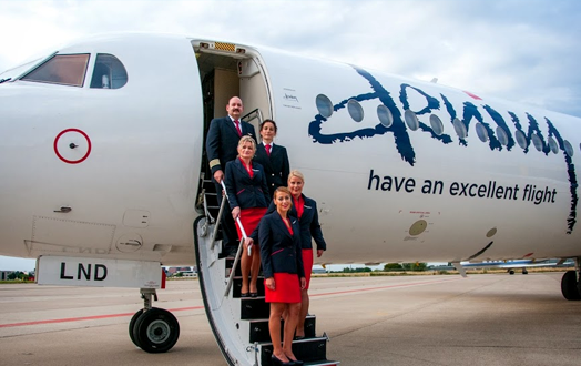 Denim Airs Fokker F-100 skal flyve mellem Oslo og Trondheim.