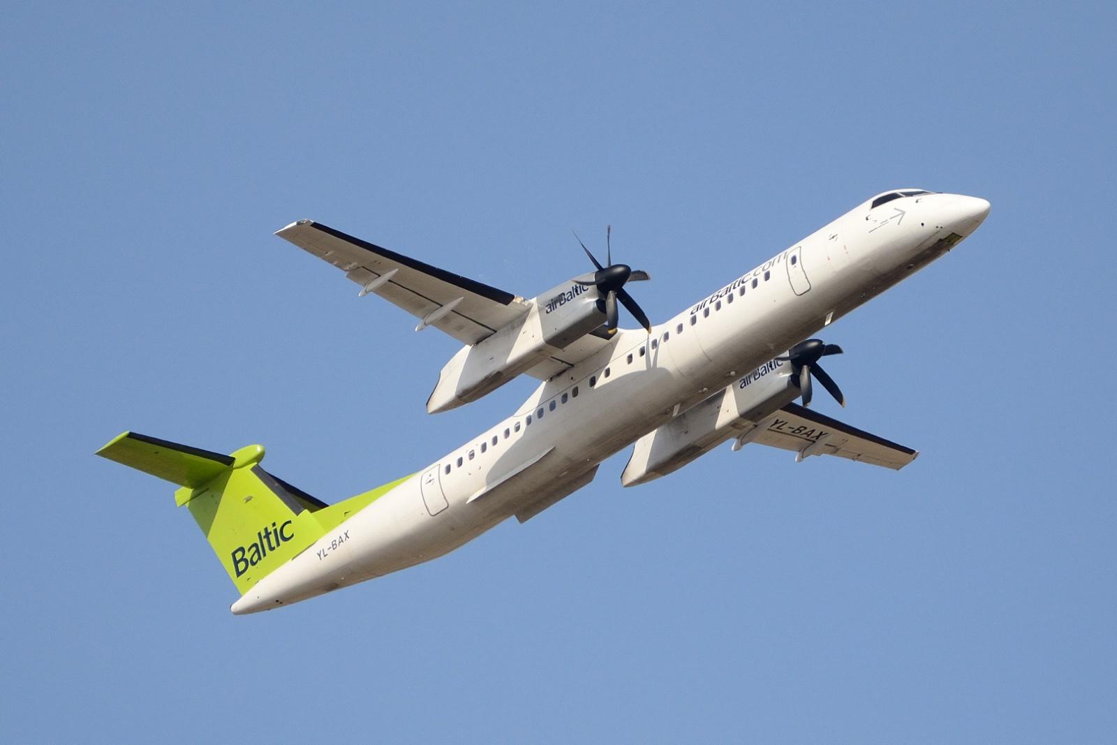 Bombardier Q400 fra airBaltic (Foto: Morten Lund Tiirikainen)