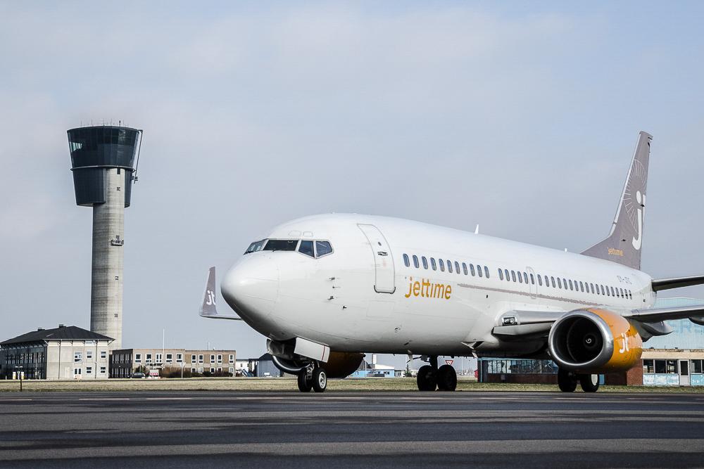 Boeing 737-fly fra Jet Time i Københavns Lufthavn (Foto: Morten Lund Tiirikainen)