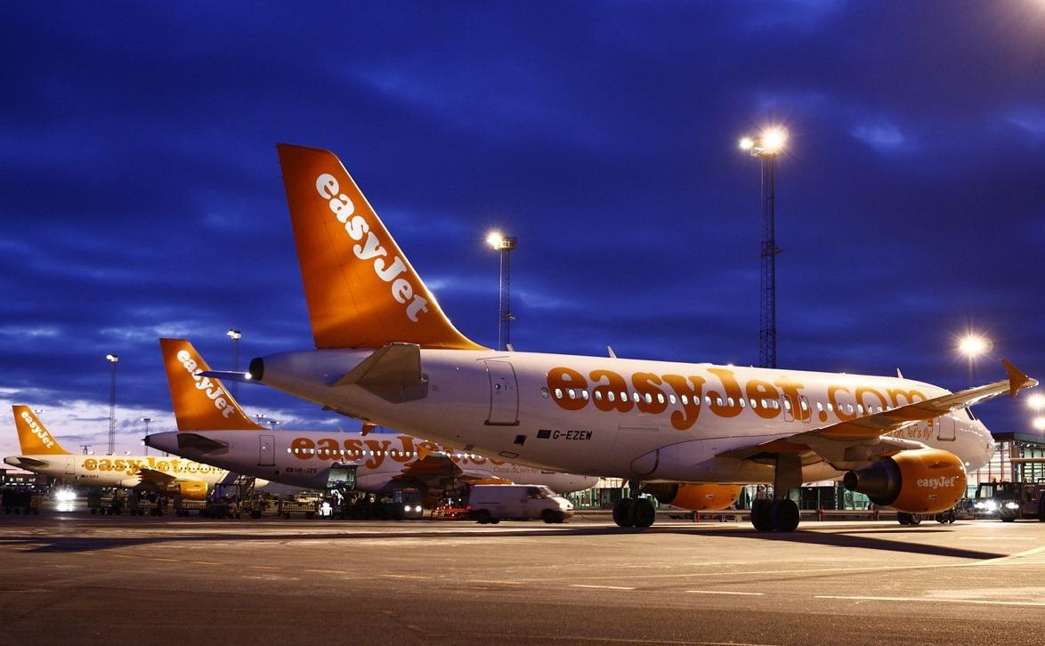 EasyJet-fly foran CPH GO-fingeren i Københavns Lufthavn. (Foto: Arne V. Petersen / Københavns Lufthavn)