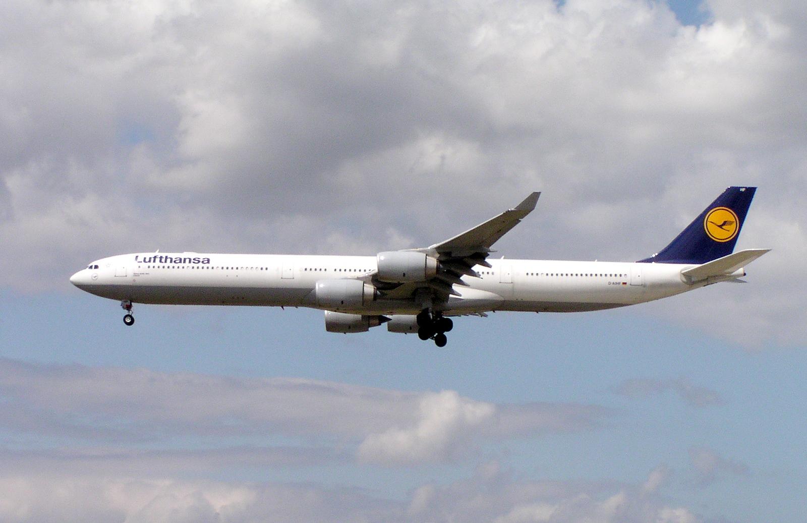 Airbus A340-600 fra Lufthansa.