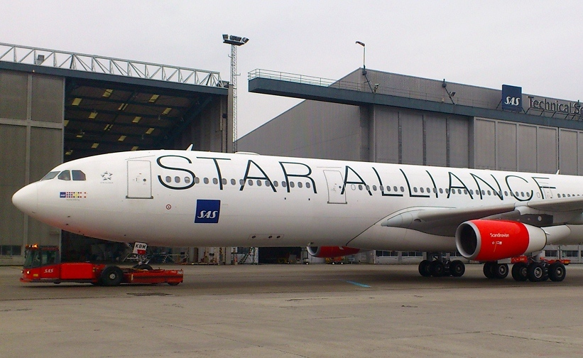 Airbus A340-flyet OY-KBM fotograferet i Københavns Lufthavn.