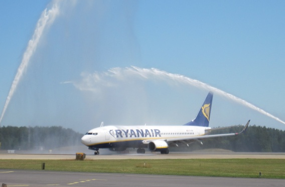 Ryanair hilses velkommen i Malmø-Sturup lufthavnen. (Arkivfoto: Swedavia)