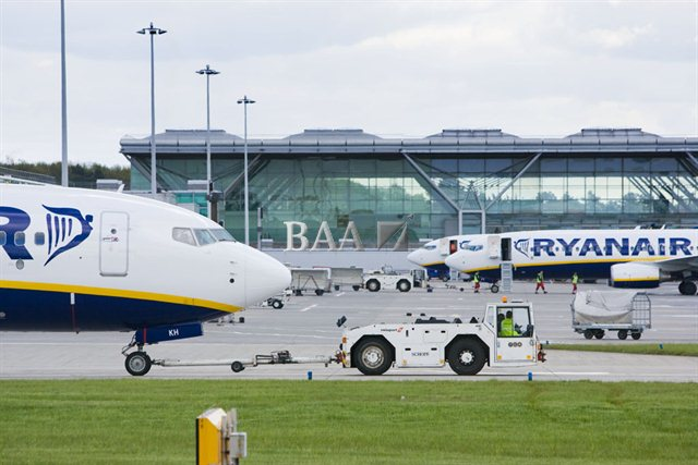Ryanair-fly i London Stansted Airport.