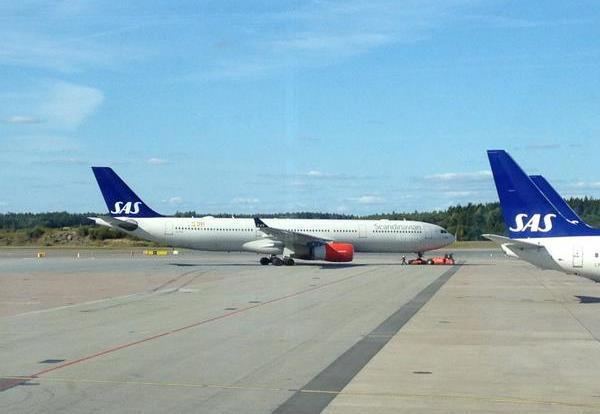 SAS A330-300 på den første flyvning fra Stockholm til Hong Kong.