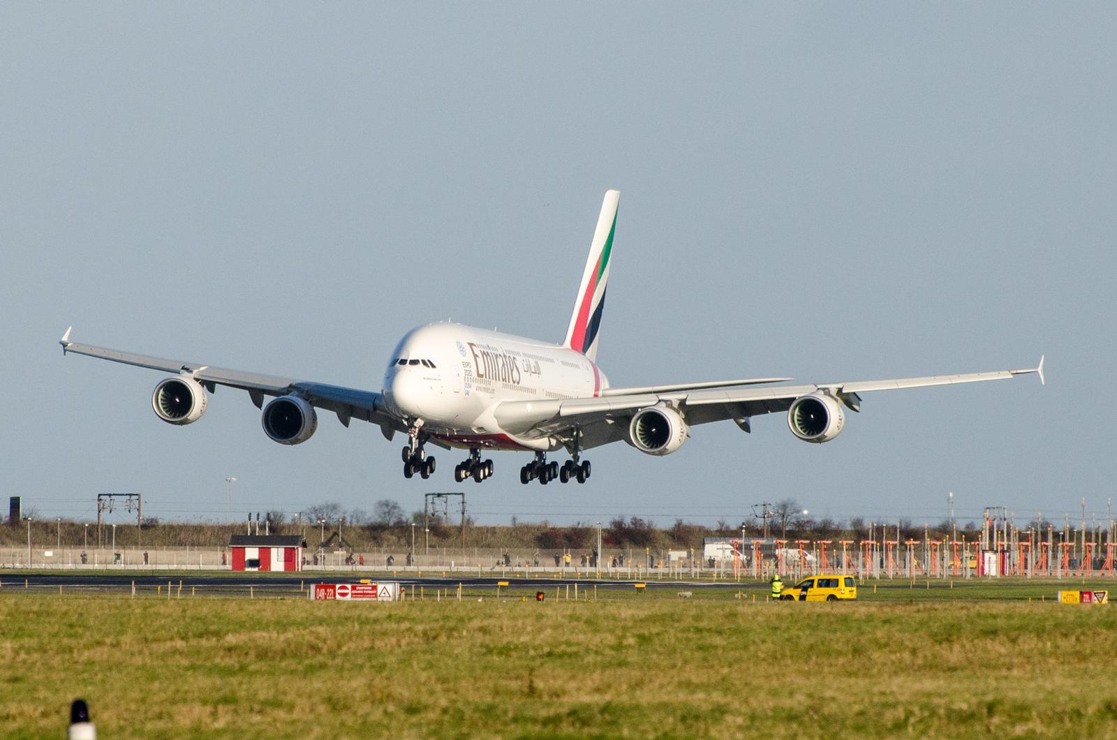 Emirates Airbus A380 lander i København. (Foto: Morten Lund Tiirikainen).