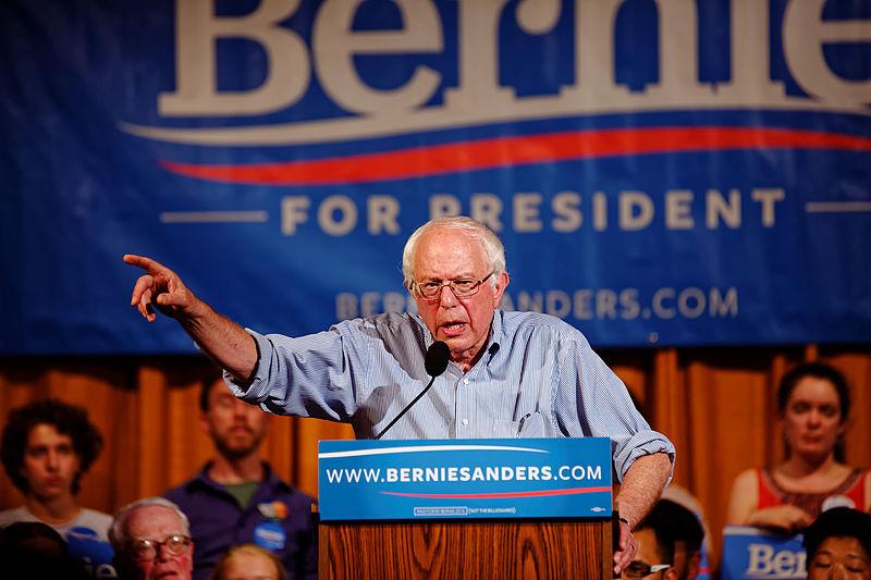 Bernie Sanders taler i New Hampshire. Foto: Michael Vadon / Wikimedia Commons.