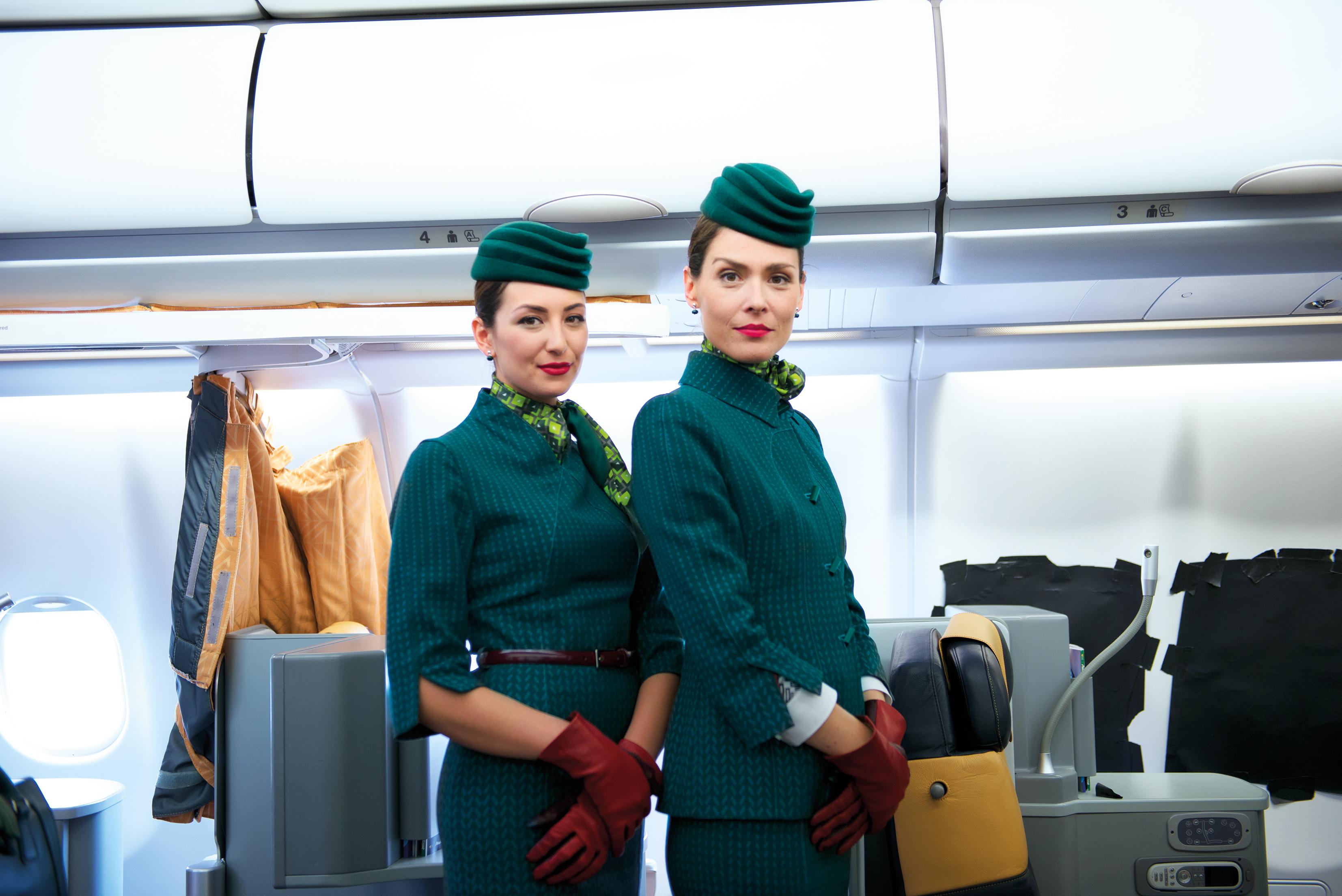 Kabinepersonale fra  Alitalia. Foto: Alitalia