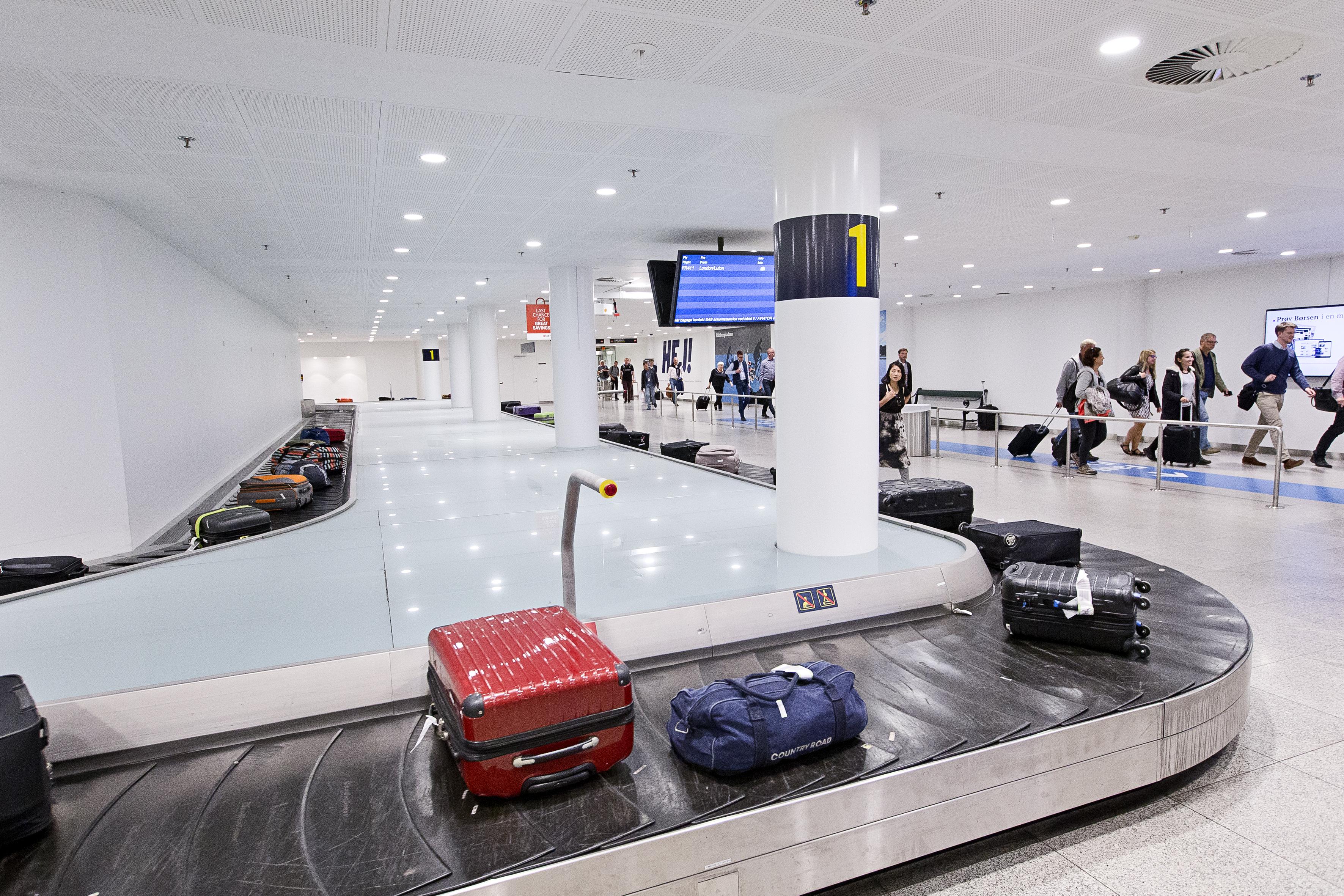Københavns Lufthavn  bagagebånd 1 og 2. Foto: Ernst Tobisch