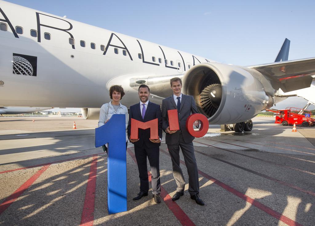 United Airlines fejrer passager nr. 1 million på ruten mellem Hamburg og Newark.