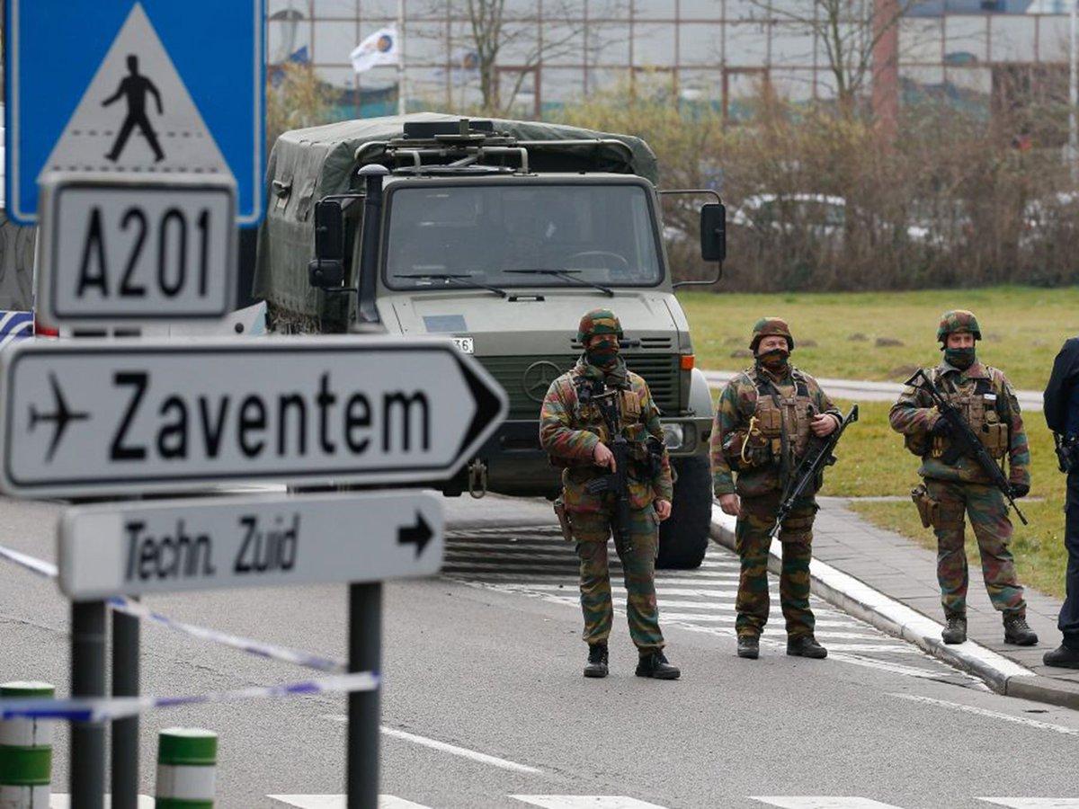 Bevogtningen af Zaventem-lufthavnen i dagene efter terrorangrebet. (Foto: Moshe Zichmir/Twitter)