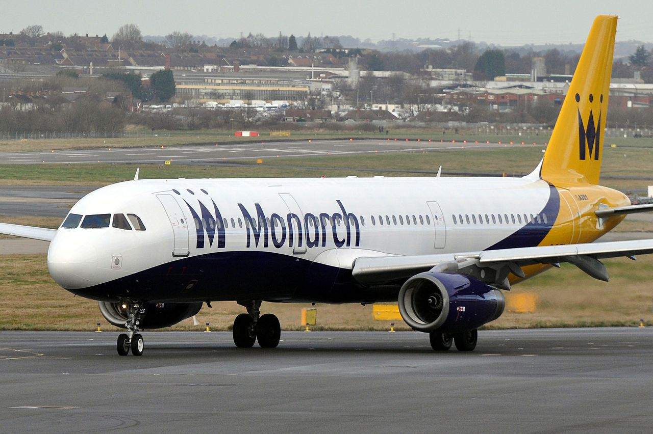 Airbus A321-fly fra Monarch Airlines i Birmingham. (Foto: Eric Salard / Wikimedia Commons)