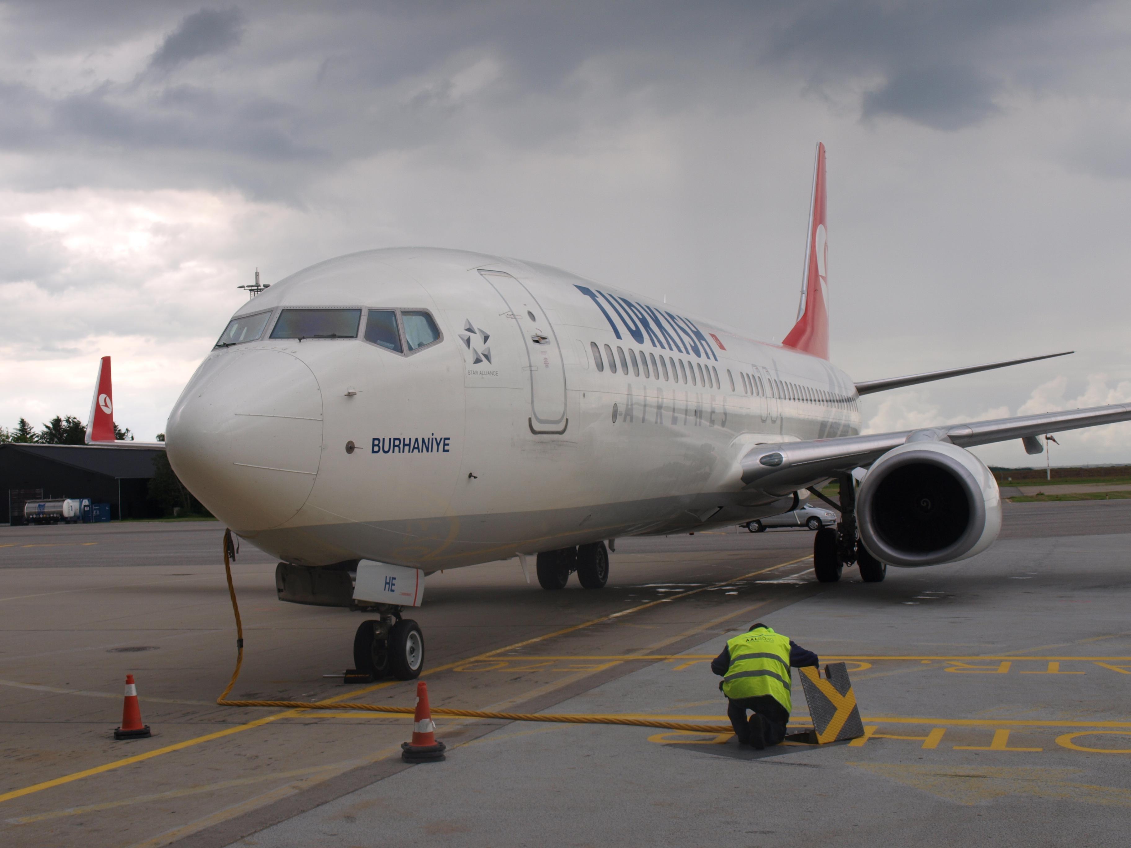 Boeing  737-800 flyet  Burhaniye var det første Turkish Airlines fly i Aalborg Lufthavn den 9. juli 2012. (Foto: Ole Kirchert Christensen)