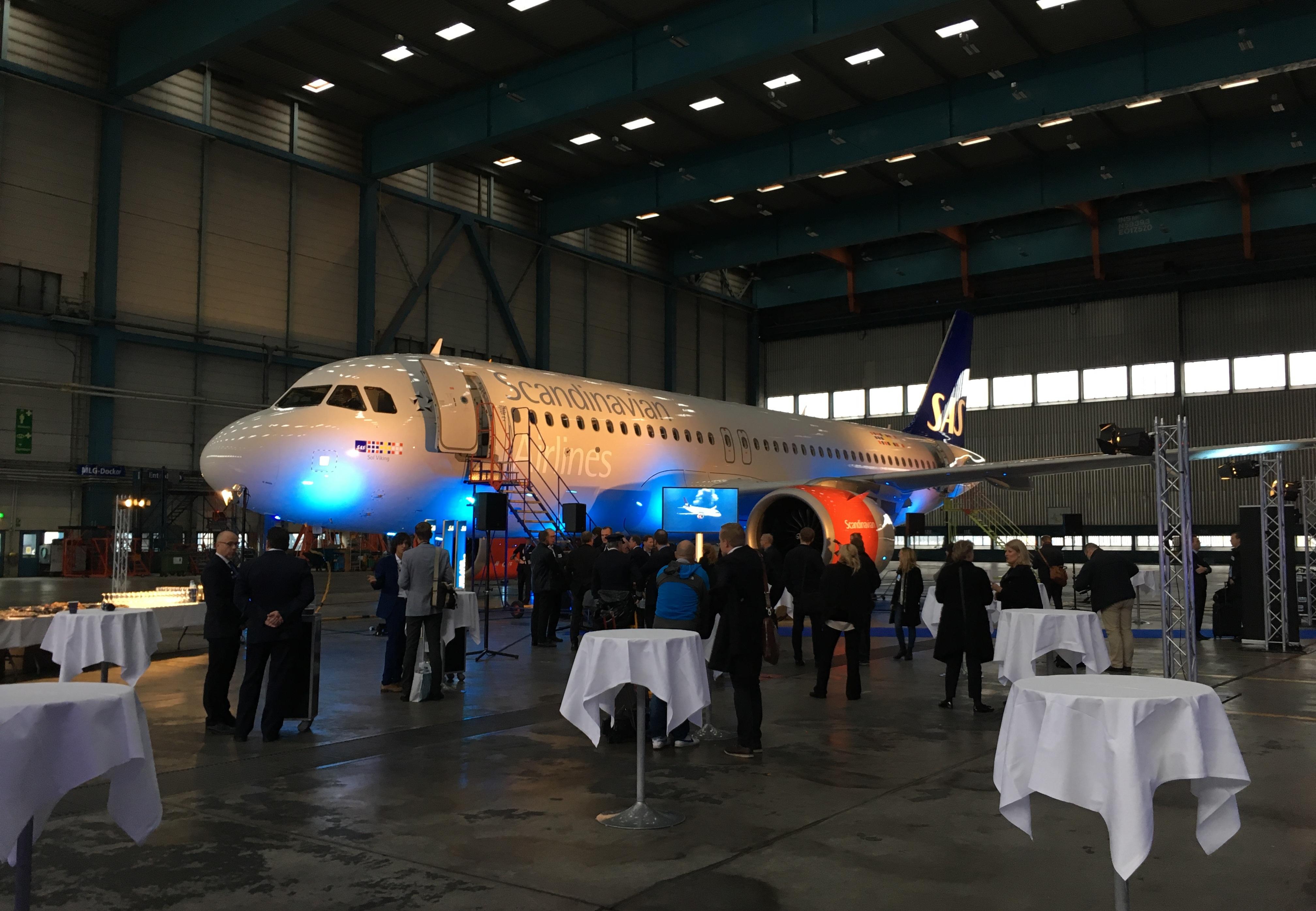 Første A320neo i SAS-flåden blev præsenteret i en hangar i Stockholm. (Foto: Morten Lund Tiirikainen)