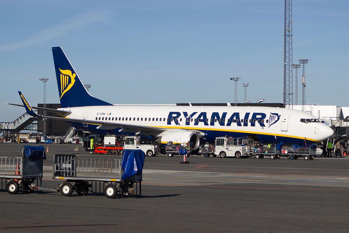 Ryanair Boeing 737-800 i Københavns Lufthavn. (Foto: Bene Riobó)