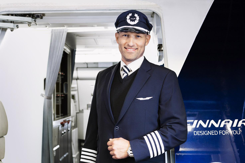 Flykaptajn hos Finnair (Arkivfoto, Finnair)