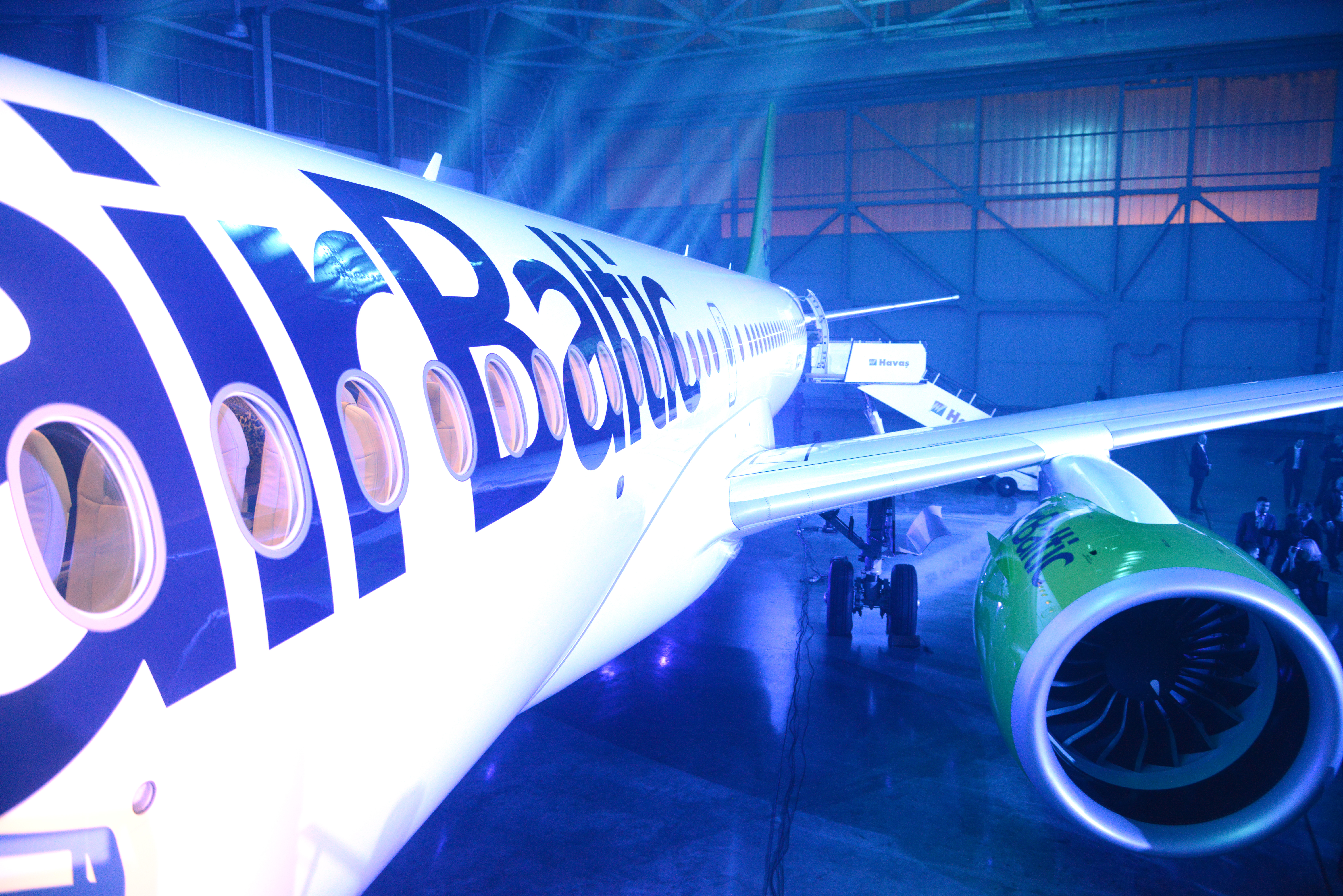 AirBaltics Bombardier CS300 blev afsløret ved et stort releaseparty i december 2016. (Foto: Joakim J. Hvistendahl)