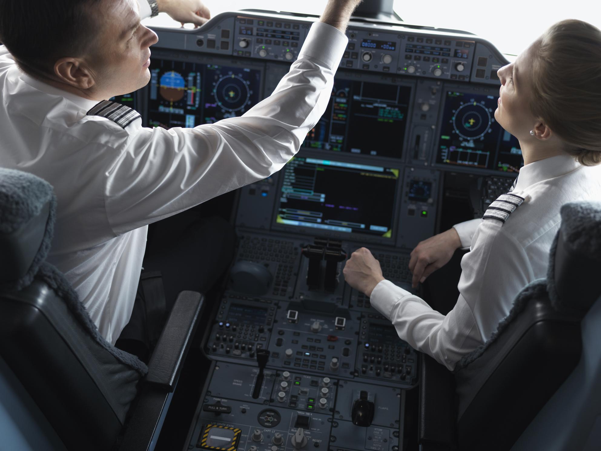 Piloter i cockpittet på Finnairs A350-900 (Foto: Finnair)