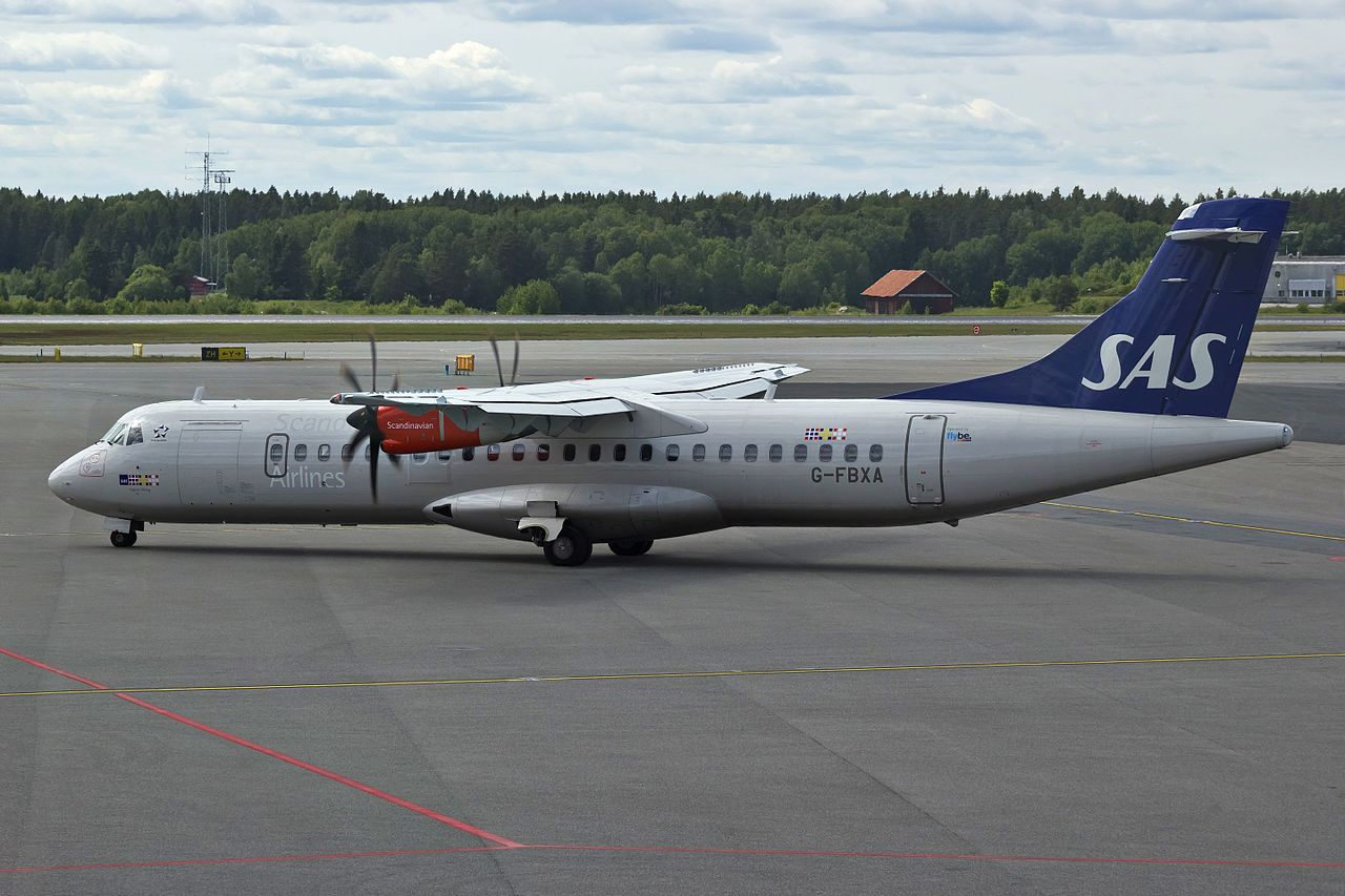Et af Flybe's ATR72-600 fly. Foto: Bene Riobó / Wikimedia Commons.