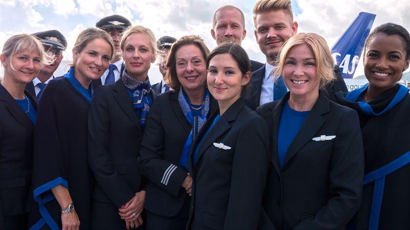 SAS-ansatte i nye uniformer (Arkivfoto: SAS)