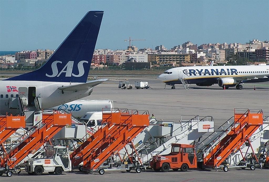 SAS og Ryanair. (Foto: Oddgeir Tørresdal | DFly)