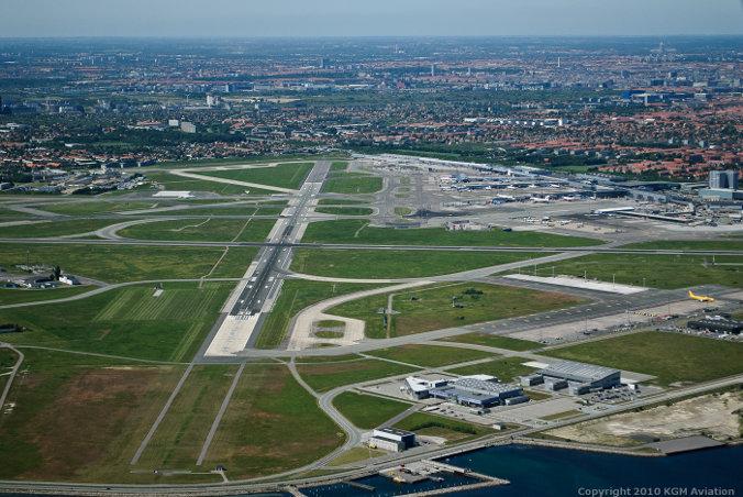 Bane 30 i Københavns Lufthavn (Foto: Flykort.dk   KGM 3D Technology)