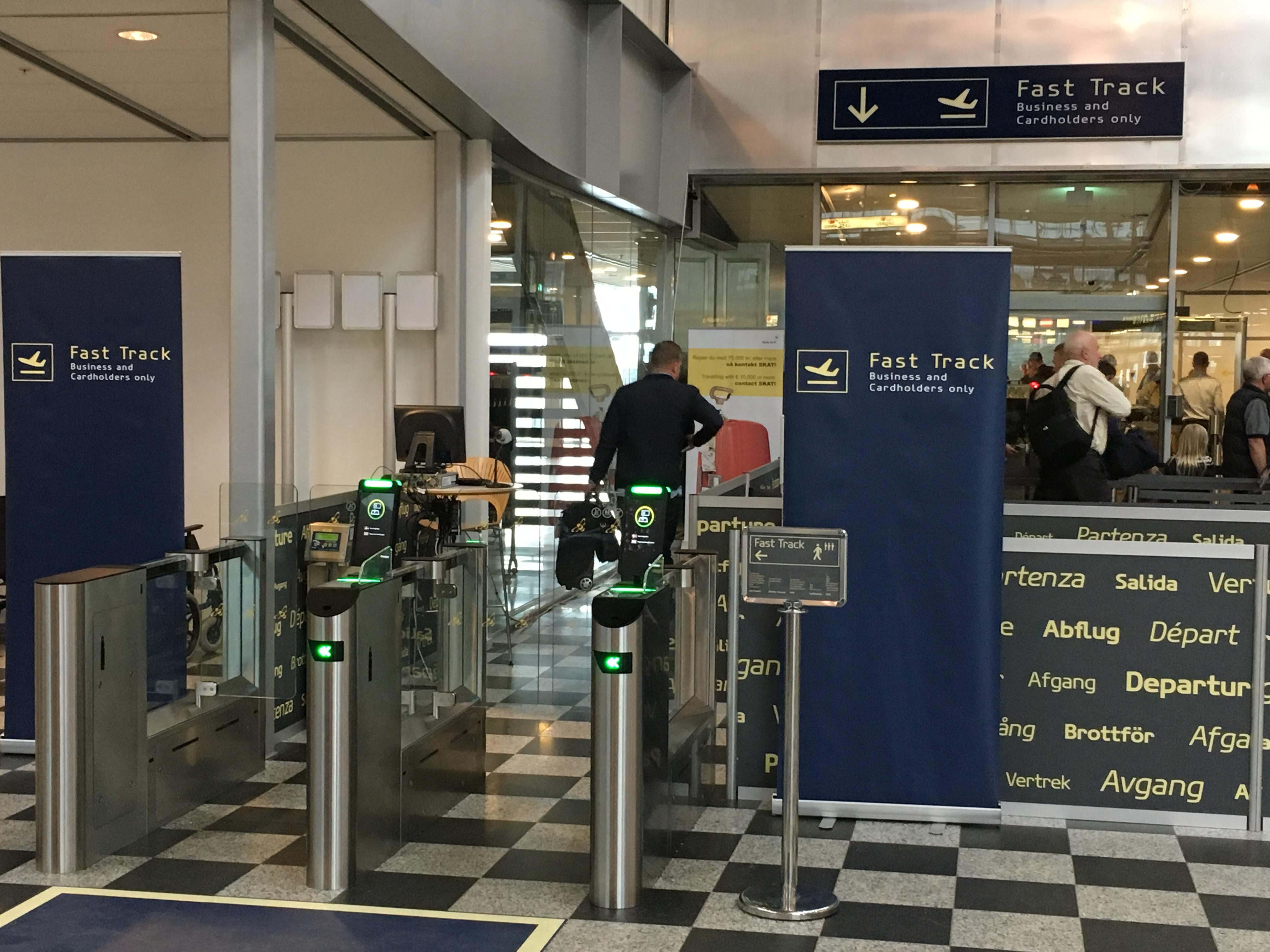 FastTrack med selvbetjeningssluse i Billund Lufthavn. (Foto: BLL)