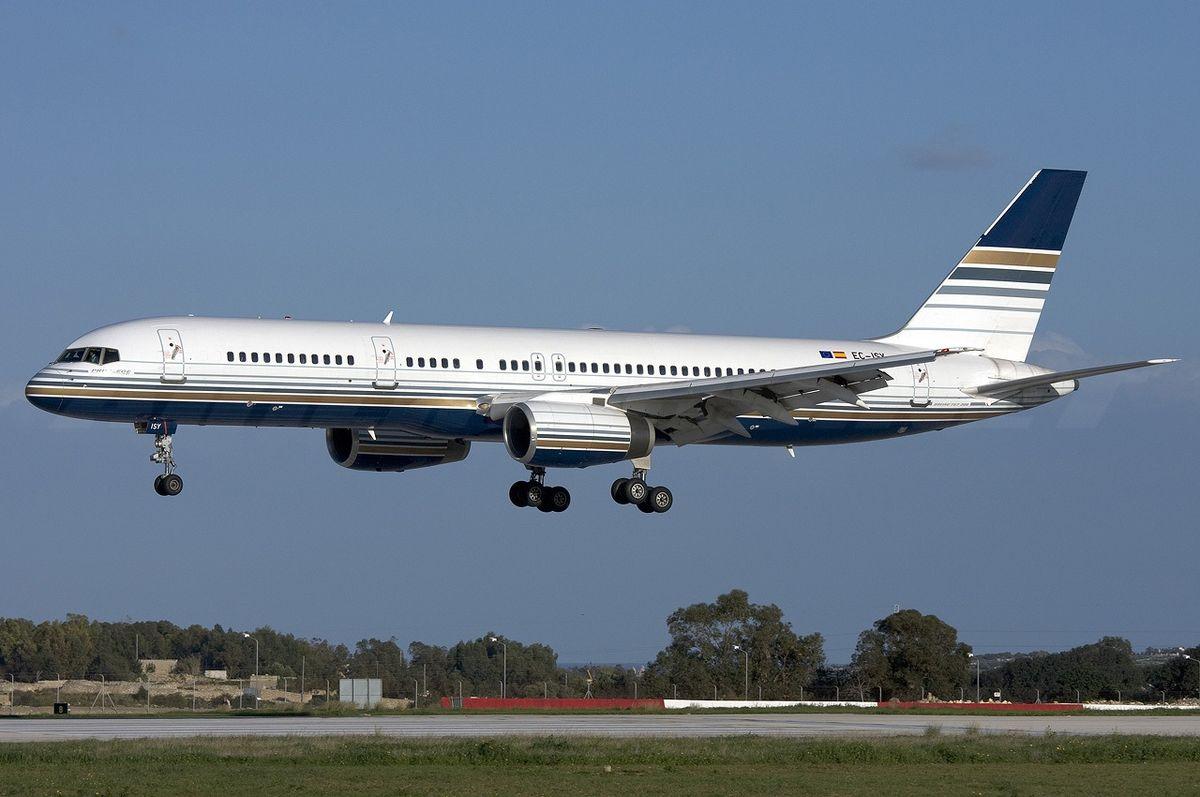 Boeing 757-200 fra Privilege Style (Foto: Gordon Zammit )