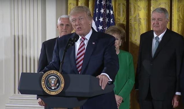 Donald Trump ved annonceringen af den nye flykontrol-organisation den 5. juni 2017.