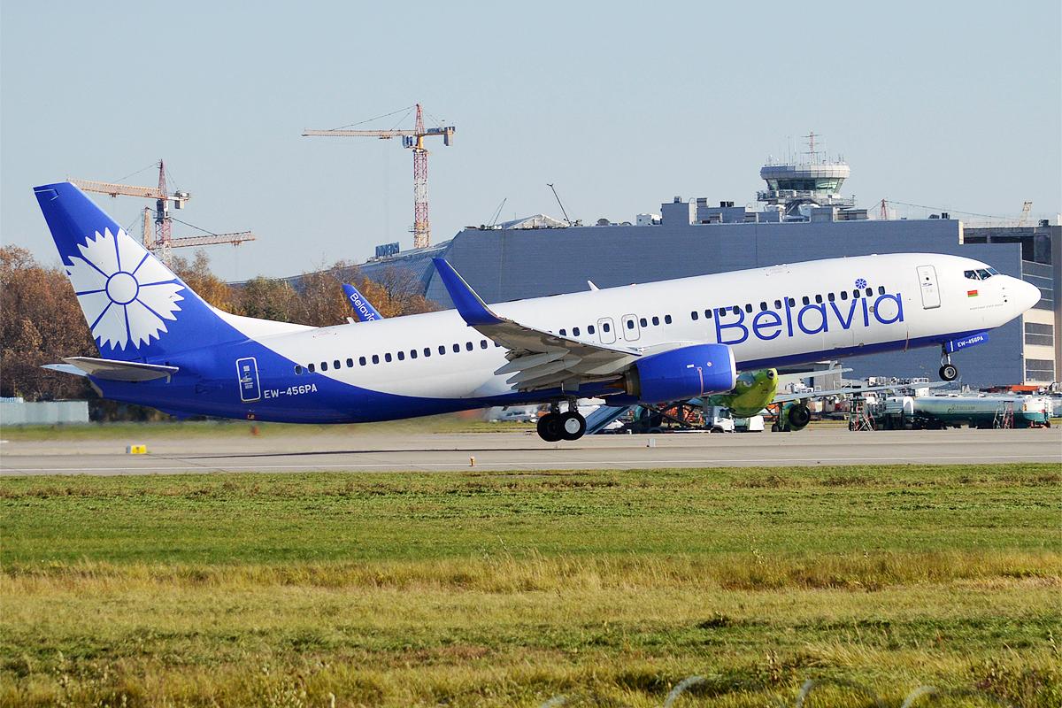 Et Boeing 737-800 fly fra Belavia i selskabets nye bemaling. Foto: Anna Zvereva / Wikimedia Commons.