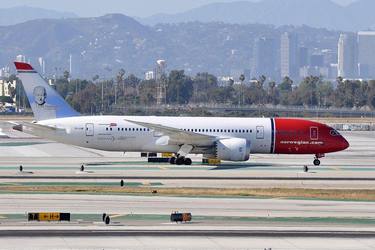 Norwegian Boeing 787-8 Dreamliner (LN-LNB) i Los Angeles International Airport.  (Foto: Erik Salard)