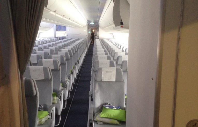 Economy Class-kabine i Finnair A350-900 XWB. (Foto: Tero Arra | Twitter)