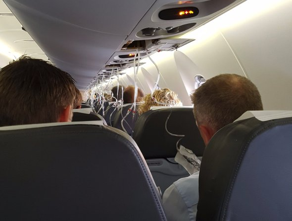 Trykfald i kabinen på SK1480 (Foto: Alexander W. Brander | Twitter)