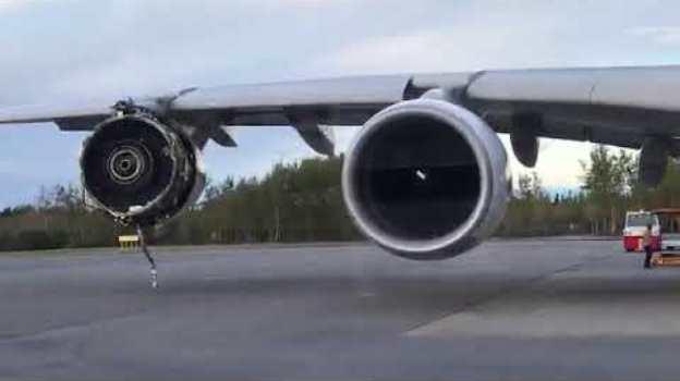 Den ødelagde motor på A380-flyet fra Air France. (Foto: Vivi's Creation/YouTube)