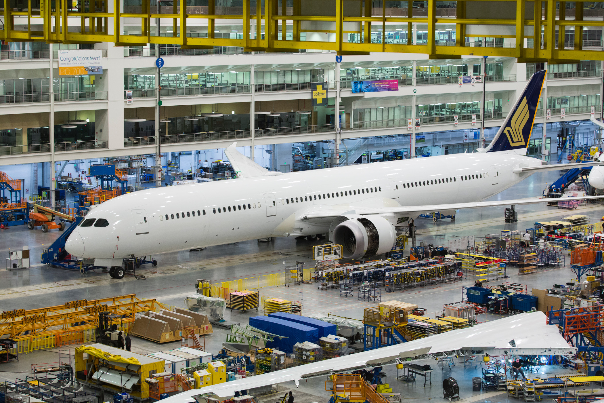 Det nye Boeing 787-10 Dreamliner-fly i samlehallen i North Charleston i den amerikanske delstat South Carolina. Foto: Boeing