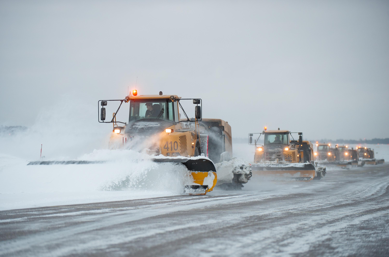 Snedrydning i Arlanda Lufthavn (Foto: Daniel Asplund | Creative Commons licens.)