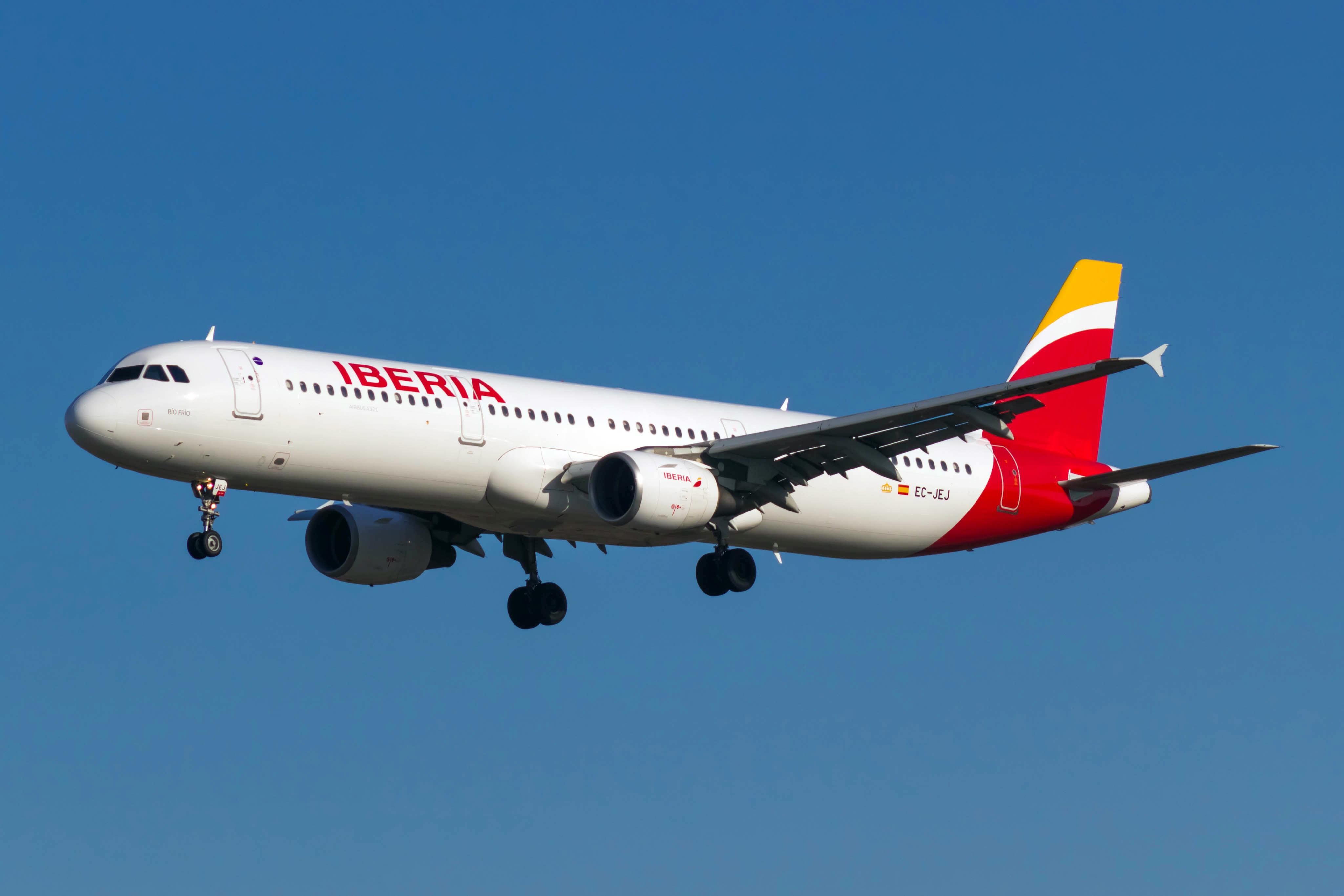 En Airbus A321 fra Iberia. Foto: Bene Riobó