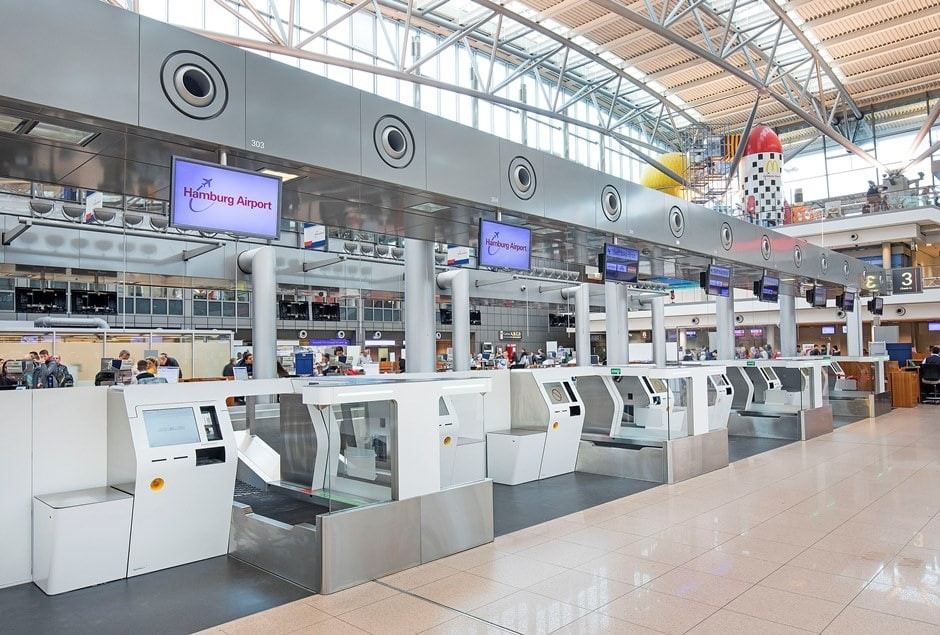 De nyåbnede bag drop kiosker i Hamborgs lufthavn. Foto: Hamburg Airport.