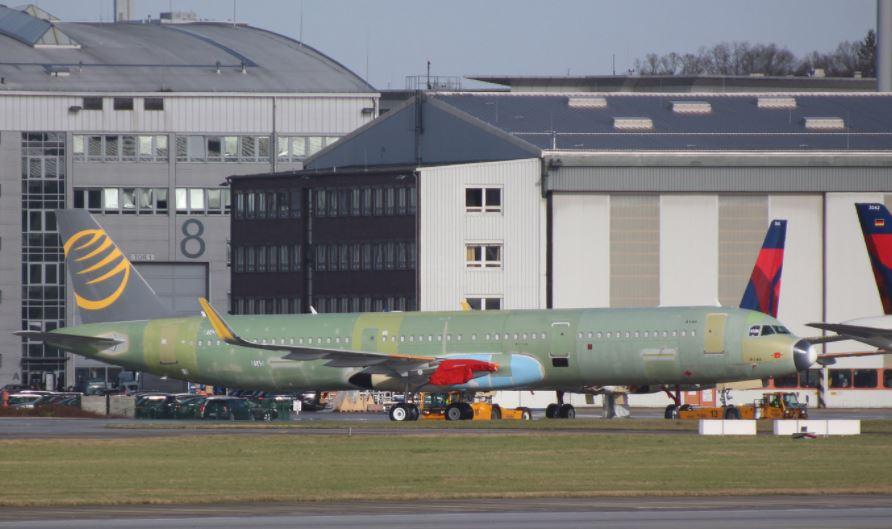 Primera Airs første Airbus A321neo-fly i Hamborg Finkenwerder-lufthavnen, hvor Airbus samler sine fly. Foto: Tobias Gudat / xfwspotter.