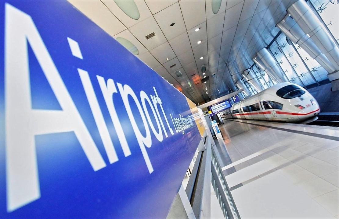 Med tog og fly til Frankfurt Lufthavn. Foto: Frankfurt Airport.