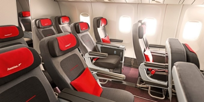 Premium Economy Class i Boeing 777-200 (Foto: Austrian)