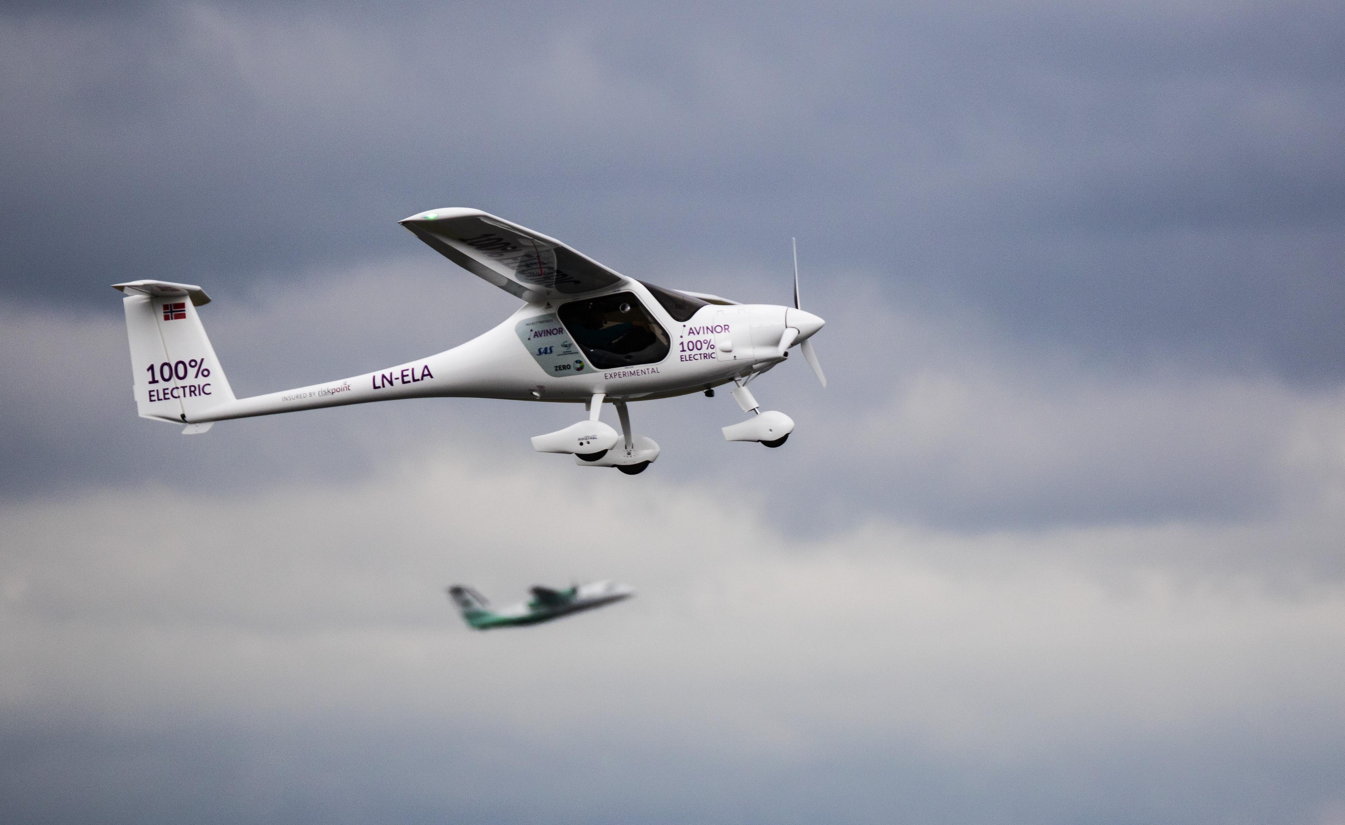 Første elektriske fly i luften fra Oslo Lufthavn. (Foto: Avinor)