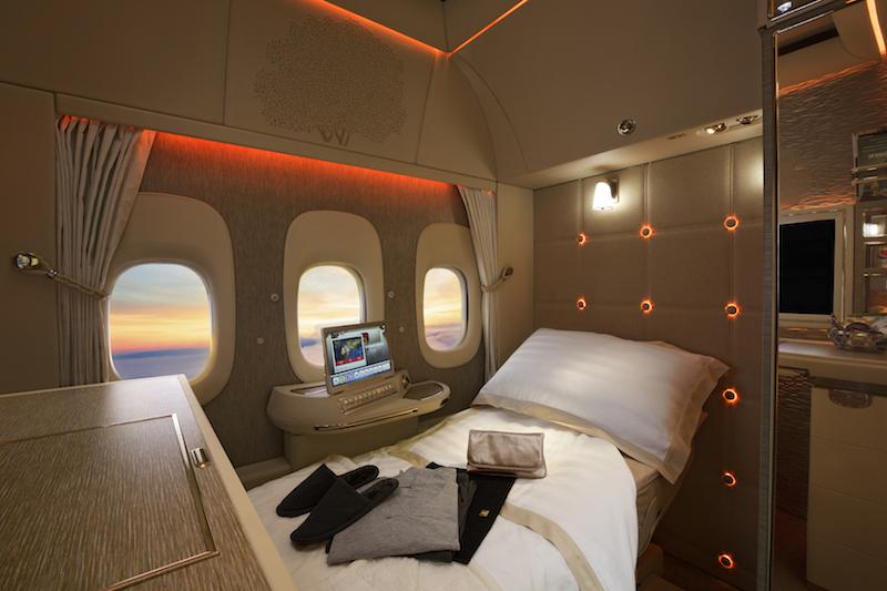 Nye First Class-suiter med virtuelle vinduer på Emirates Boeing B777-300ER.
