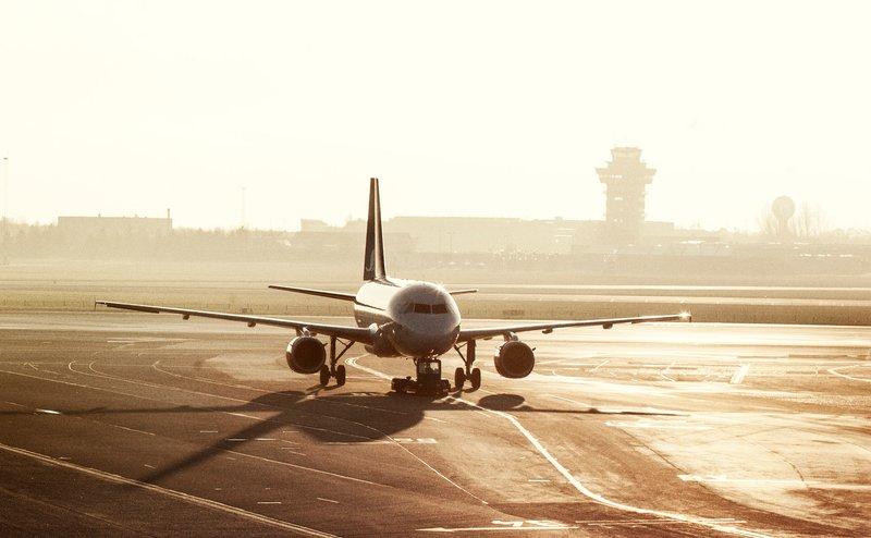Ankommende fly i Københavns Lufthavn. (Foto: Ernst Tobisch)