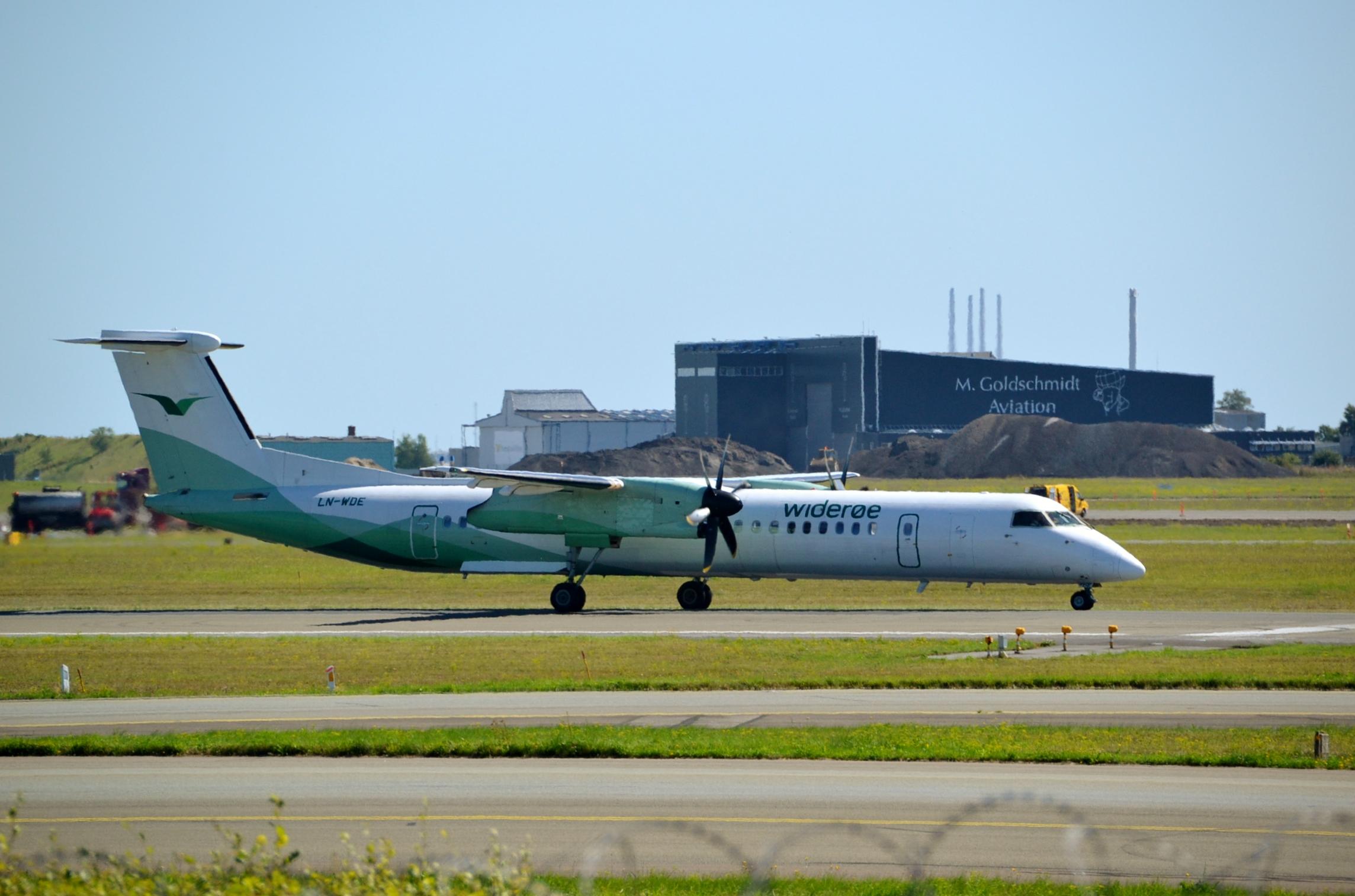 Bombardier Dash 8-Q400 (LN-WDE) i Widerøe-bemaling. (Fofo: Alec Wilson | CC 2.0)